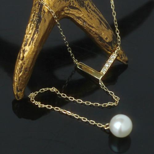 パールとダイヤモンドのY字ネックレス