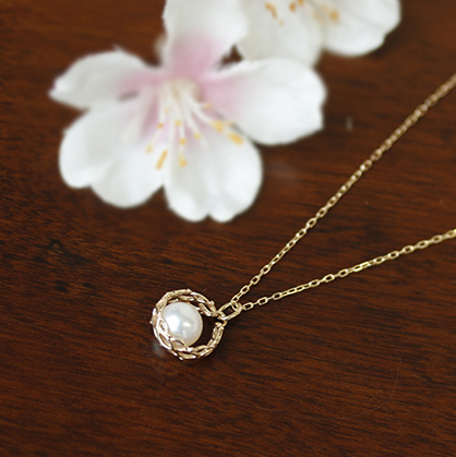 桜のコットンパールピアス