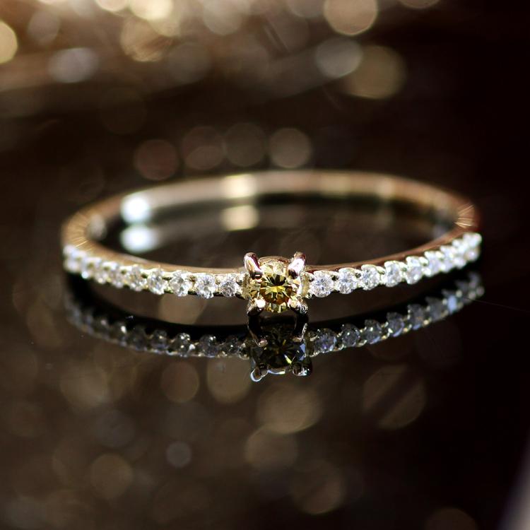【あす楽対応】11号限定 天然無処理オリーブグリーンダイヤモンド×K10ゴールドリング・オリヴィア カラーダイヤモンド ファンシーカラー エタニティリング ピンクゴールド イエローゴールド 華奢 シンプル 10K 10金 ブランド 宝石