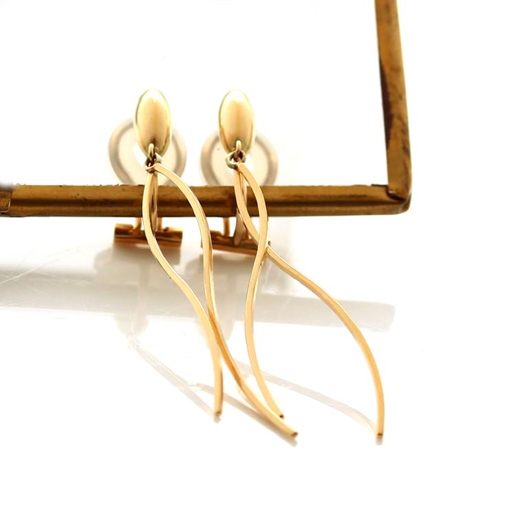 18K イヤリング 痛くない ピアスみたい 落ちにくい イエローゴールド・ジーゼル クリップイヤリング K18 18金 華奢 シンプル 地金 曲線 誕生日プレゼント 女性 ジュエリー ブランド