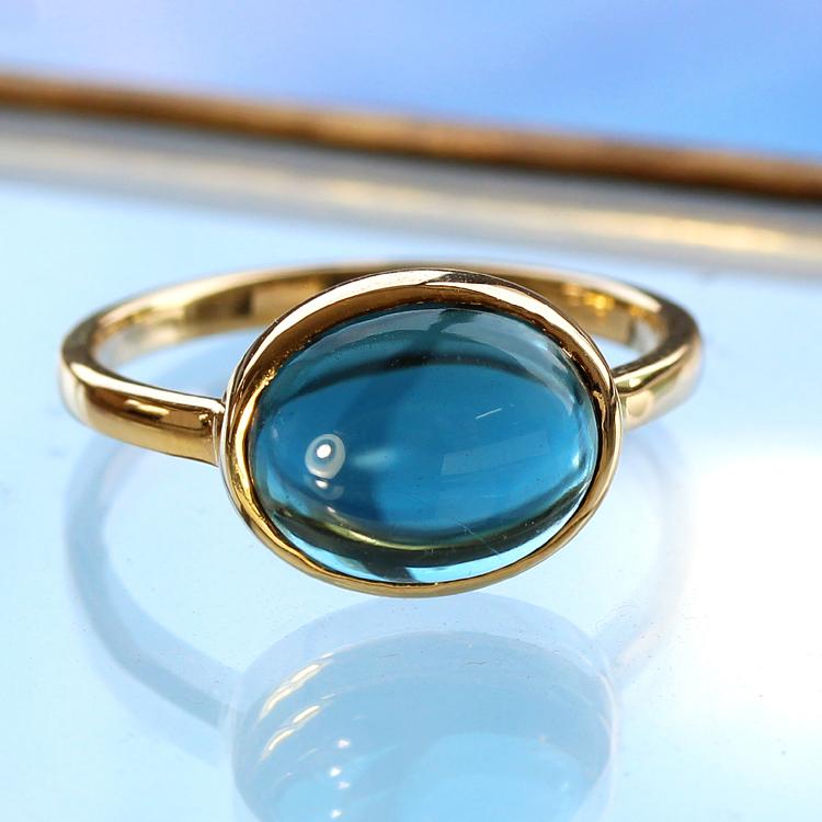 ロンドンブルートパーズ リング 10K イエローゴールド レディース 指輪・ハウ 大粒 ボリュームリング ファッションリング デザインリング カボションカット 11月の誕生石リング 青い宝石 ジュエリー ブランド 一粒リング おしゃれ