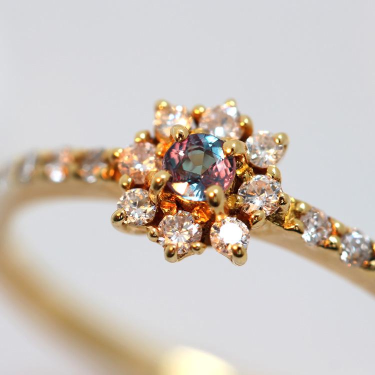 ブラジル産アレキサンドライト ダイヤモンド 18K イエローゴールド リング レディース 指輪・ヴィニアス 華奢 シンプル ファッションリング チェンジカラー フラワーモチーフ お花 ブランド 宝石