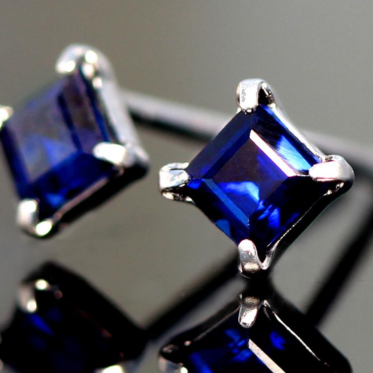 【あす楽対応】サファイアピアス 18K 18金 スクエアカット 9月誕生石 K18 ホワイトゴールドピアス レディース・サフィーロ スタッドピアス 一粒 四角 人気 おすすめ 最高品質 ブルーサファイヤ 青色 誕生日プレゼント 女性 ギフト 可愛いピアス