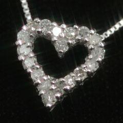 【スーパーセール10%OFF】【ダイヤモンド ホワイトゴールドネックレス・オープンハート】18石・合計0.15ctのダイヤをオープンハートにびっしりとあしらって、ゴージャスでも、ひかえめでシンプルなネックレスをお作りしました☆ 誕生日プレゼ