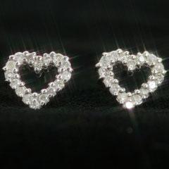 ラスト1個【あす楽対応】0.2ctダイヤモンド K14ホワイトゴールドピアス レディース・オープンハート 左右合計32ピース 0.2カラットのハートピアス 14K 14金 誕生日プレゼント 女性 華奢 シンプル 可愛いピアス ジュエリー パヴェピアス エタニティーデザイン ブランド 宝石