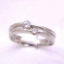 【プラチナ ダイヤモンドリング・オーステルリッツ】贅沢な組み合わせのピンキーリングをお作りしました♪ ファランジリング ミディリング 関節リング 華奢 シンプル ジュエリー ブランド 宝石
