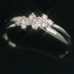 【ダイヤモンド ホワイトゴールド リング 指輪・アルディーノ】すっきり清楚なホワイトゴールドにダイヤモンドを贅沢にあしらって、可憐なリング 指輪をお作りしました☆ 華奢 シンプル 可愛い ゆびわ ブランド 宝石 おしゃれ