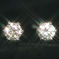 【0.2ctダイヤモンド カラーゴールドピアス・リュイール】女性なら誰しも憧れる最高の輝石・ダイヤモンドを、定番としてずっと大事にしていただけるよう、左右合計0.2カラットもあしらった贅沢なピアスをお作りしました!! 誕生日プ ブランド 宝石