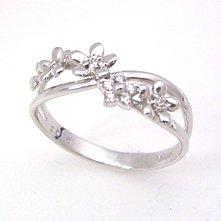 【ダイヤモンド ホワイトゴールドリング・セフィアーナ】花カラーストーン モチーフに小粒のダイヤモンドをあしらって、清楚なリングにアレンジしました!! 華奢 シンプル ジュエリー ボタニカル柄 ブランド 宝石