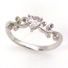 【モルガナイト ダイヤモンドリング・クレアラ】障害を乗り越え、愛を根づかせる幸せのジュエル・モルガナイト…そんな恋のジュエルにハートシェイプをほどこしてダイヤモンドをあしらったら、こんなにフェミニンなリングに仕上がりま ブランド 宝石