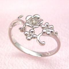 【ダイヤモンド ホワイトゴールド リング 指輪・コルベイユ】ホワイトゴールドでかたどった花に繊細なツタを絡めて、軽やかなリング 指輪をお作りしました☆ 華奢 シンプル 可愛い ゆびわ ジュエリー ボタニカル柄 ブランド 宝石 おしゃれ