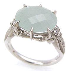 【ミルキーアクアマリン ダイヤモンドリング 指輪・アスルセレステ】チェスカットに加工されたミルキーアクアマリンの周りに合計0.14カラット12粒ものダイヤを散りばめ、台座のデザインにもこだわった、とっておきのリング 指輪をおつ ブランド 宝石 おしゃれ