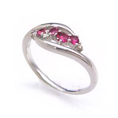 【ルビー ダイヤモンドリング 指輪・ラウ゛ォルテ】しなやかにカーブする2本のラインの中でルビーとダイヤモンドが華やかにきらめく、贅沢なリング 指輪をお作りしました! 華奢 シンプル 可愛い ゆびわ ジュエリー ブランド 宝石 おしゃれ