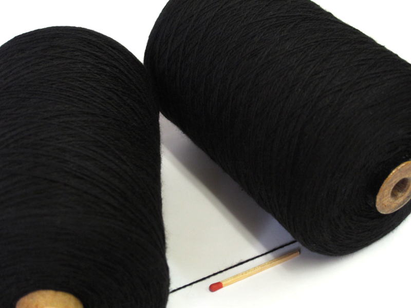 綿糸ならこれで決まり 豊富なバリエーションからお好きな色をどうぞ 10 2綿 国際ブランド 黒 手織りにも手編みにもオススメの綿糸が43色 休日 やわらかくて使いやすい 人気の定番シリーズです