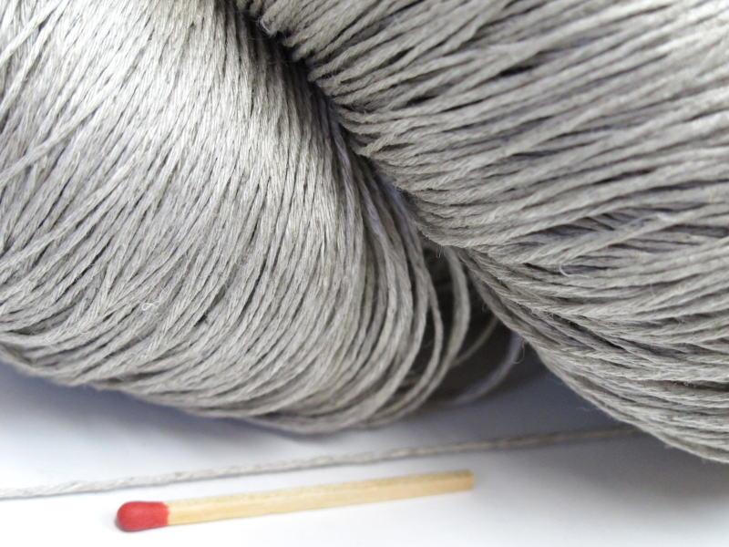 しゃきっとしたコシのある清潔感たっぷりの麻糸です 40 8リネン 生成 かせ 亜麻 ならでは お得セット 手織りにも手編みにもオススメの麻糸です さらっとした爽やかな手ざわりはリネン セール