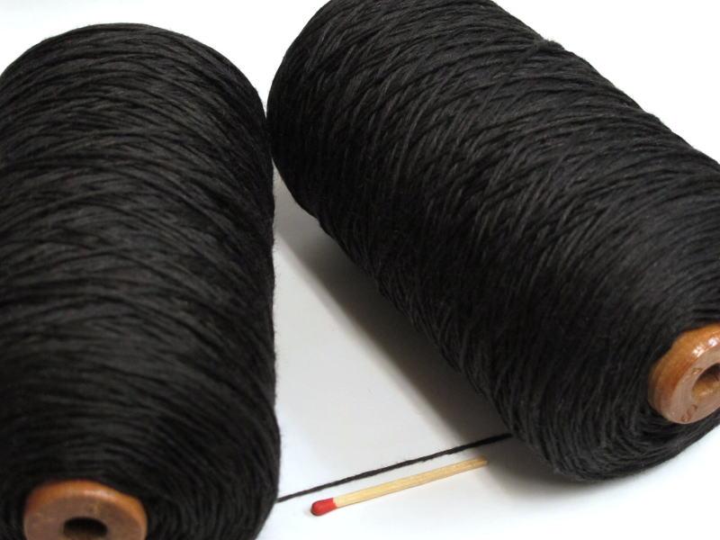 しゃきっとしたコシのある清潔感たっぷりの麻糸です 40 8リネン 黒 安心の定価販売 出荷 手織りにも手編みにもオススメの麻糸です さらっとした爽やかな手ざわりはリネン ならでは 亜麻