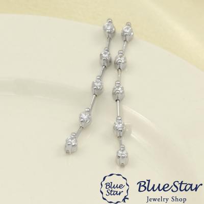 10石のダイヤモンド0.80ctが揺れ動くピアス K18WG BlueStar