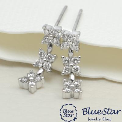 小花の3連カジュアルダイヤモンドピアス K18WG BlueStar