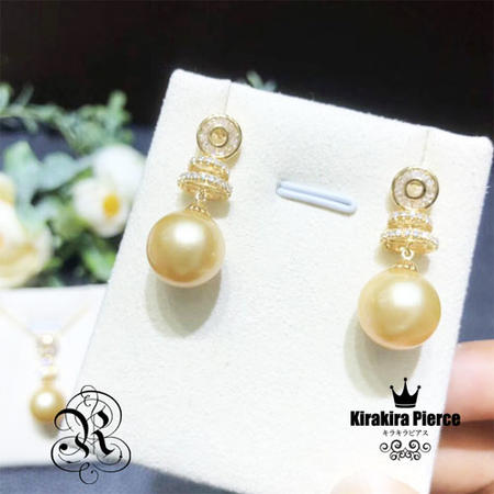 【RUKA瑠夏】☆新作☆ゴージャスな存在感を醸しつつ、お肌に優しくなじむゴールデンパールのピアス。素材の美しさが際立つシンプルなデザインです。白蝶真珠11-12mm 18金ピアスPE0095PS