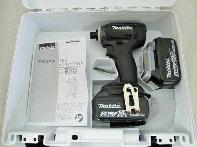 マキタ 18V 充電式インパクトドライバ TD149D(黒) 本体+[3.0Ah]バッテリBL1830B×2個+ケース
