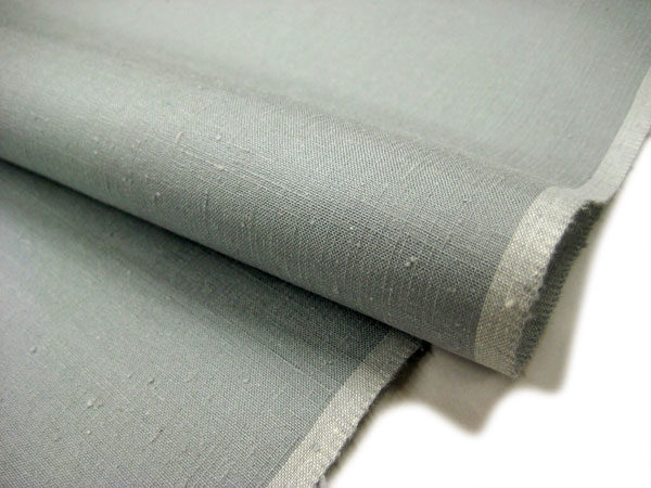 ★Light gray with some original pongee standard length of cloth for kimono ★ 本場眞綿雅生織結城紬 ★ blue