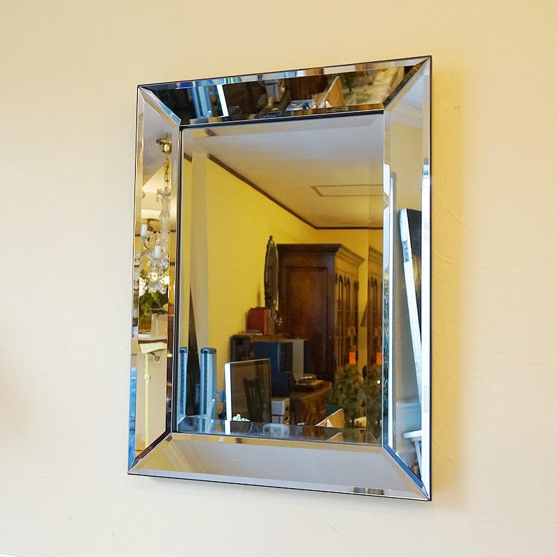 【お得クーポン配布中】シンプルモダンスタイル 壁掛けミラー 鏡 面取り(Sサイズ)おしゃれ鏡 アンティーク家具 鏡 壁掛け おしゃれ 鏡 全身鏡 姿見 デザイナーズ 鏡 ベネチアンミラー 鏡 姿見 全身 壁掛け アンティーク ミラー 鏡 壁掛け おしゃれ アンティーク 北欧