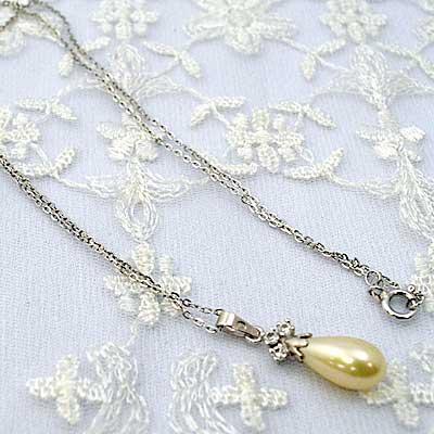 ☆スペイン製ガラスパール 人工真珠 春の新作 スペイン製ガラスパールとスターリングシルバーのネックレス ☆ 限定モデル