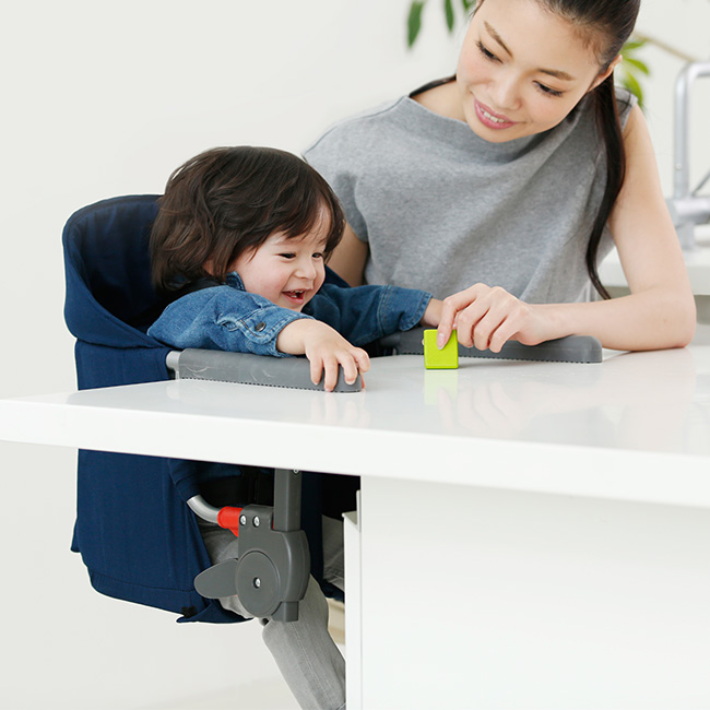 <title>テーブルに設置できる ポータブルタイプのベビーチェア ベビーの離乳食の時期におすすめ KATOJI カトージ テーブルチェア イージーフィット 折りたたみ 持ち運びができ人気 赤ちゃんの食事におすすめのテーブルチェアー べビーのための椅子 ベビーチェアー テーブルに簡単取り付け 全国どこでも送料無料</title>