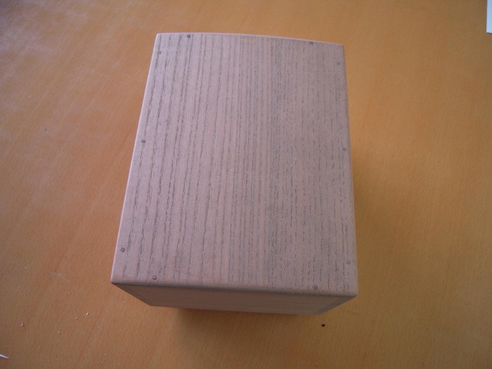 百人一首 収納桐箱 小 ひも付き 国産 高級 桐製 上等品 かるた カード 秀逸 オリジナル 豪華 収納 誕生日プレゼント