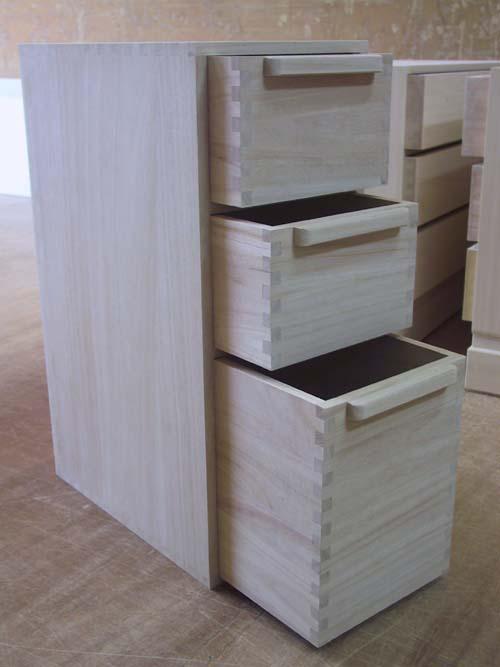 桐たんす 米櫃 木製 総桐米櫃縦型20Kg 製造直売 商品番号8901 【smtb-F】02P01Oct16