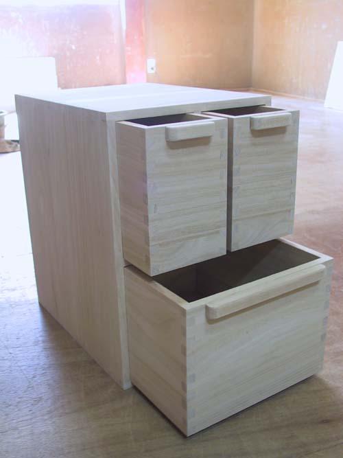 木製 木箱 総桐米櫃・横型お米だけでない何を入れ様か・・・ 製造直売 商品番号8891 【smtb-F】02P23Apr16