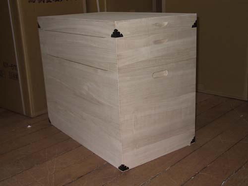 桐箱 木製 木箱 シンプル 総桐衣装箱2段キャスター付製造直売 商品番号687