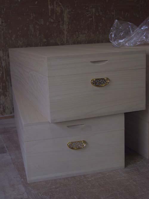 衣装箱 桐箱 シンプル 木製 木箱総桐衣装箱(2個組)天板・底板13mm、側板20mmの板厚で蓋は印籠蓋で機密があります。製造直売 商品番号 514