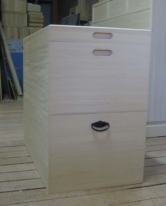 桐タンス 衣装箱シンプル 収納 総桐衣装箱2段重ね キャスター付き 雛人形 製造直売 商品番号hina2
