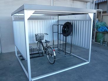 配送条件限定商品 ダイマツ 多目的万能物置 DM-16 壁パネルショートタイプ 土台寸法 間口2347×奥行2355 『自転車屋根 横雨に強いスチールタイプ』