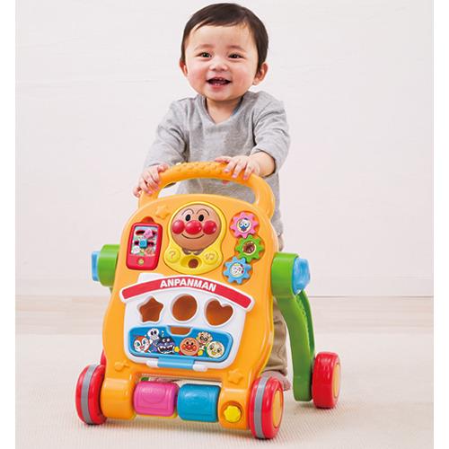アンパンマン おもちゃ よくばりすくすくウォーカー (税別\5235×1個)遊具 手押し車カタカタ 知育玩具 出産祝い プレゼント
