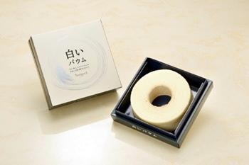 送料無料 ISHIYA(石屋製菓)白い恋人のホワイトチョコを使用した 白いバウム TSUMUGI(つむぎ)18箱入り1ケース(dk-2dk-3) 常温発送