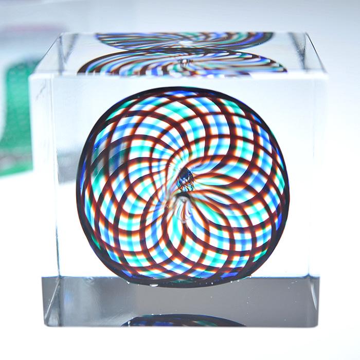 【アンティーク iittala イッタラ (Nuutajarvi ヌータヤルヴィ)】iittala/イッタラ (Nuutajarvi/ヌータヤルヴィ) Oiva Toikka オイバ・トイッカ Annual Cube アニュアル キューブ 《ビンテージ/vintage/ヴィンテージ》<1994年>( キッチンブランチ )