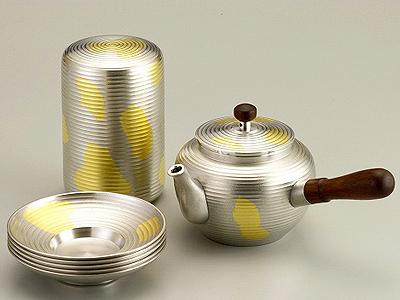 【送料無料】大阪錫器 茶器揃 金箔ちらし 【桐箱入り】( キッチンブランチ )