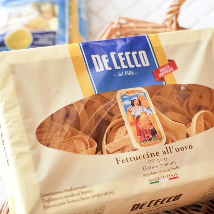 当店おすすめ食材 DE CECCO ディチェコ ついに入荷 新品未使用正規品 フェットチーネ No.303 《food》 交換不可 250g 返品 ※ご注文後のキャンセル フェットゥチーネ