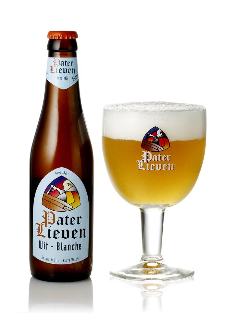 フルーティーな香り 軽快なボディで爽快な飲み口のホワイトビール 評価 パーテル 至上 ヴィット 330ml リーヴェン
