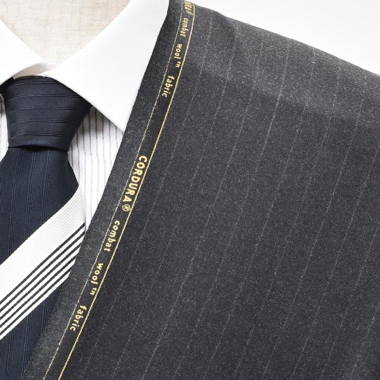 【A】:お好みのCORDURA素材:POW30411Bビッグサイズ(bigsize)の方に最適:濃グレーのストライプ柄合物(スリーシーズン)パターンオーダースーツのS上下出来上がり価格