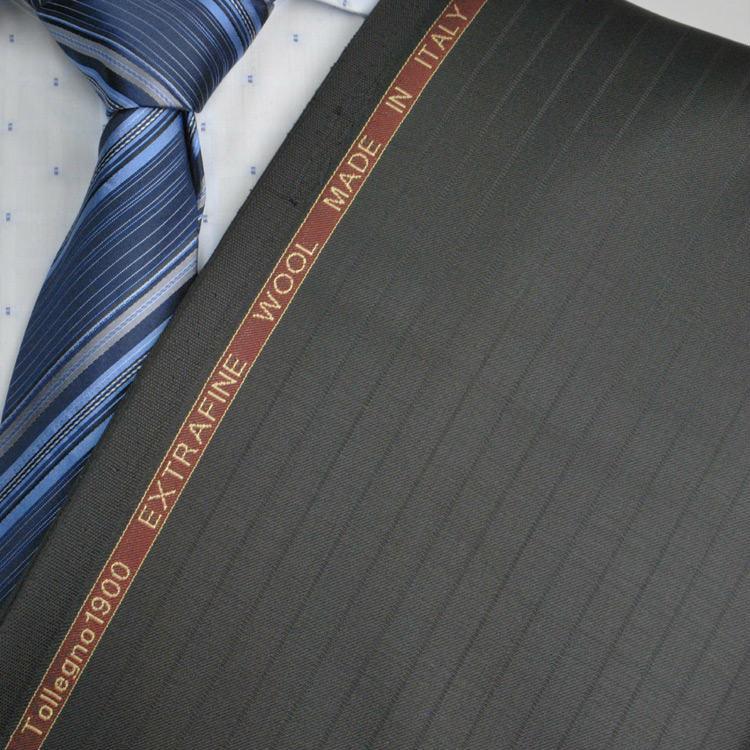 【A】:お好みの素材Tollegno1900 イタリア製生地:POA4043-267-1ビッグサイズ(bigsize)の方に最適 ブラックのストライプ柄合物(スリーシーズン)パターンオーダースーツのS上下出来上がり価格