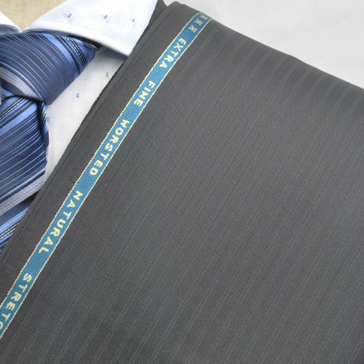 【A】:お好みの素材:POWKA423-1ビッグサイズ(bigsize)の方に最適:ブラック色のストライプ柄合物(スリーシーズン)パターンオーダースーツのS上下出来上がり価格