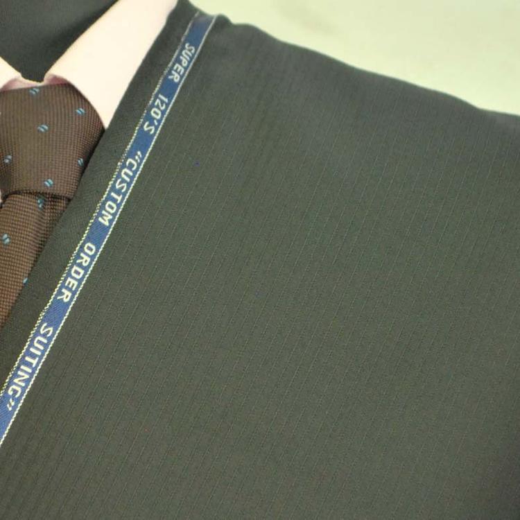【A】:お好みの素材:ビッグサイズ(bigsize)の方に最適:チャコールグレーのストライプ柄 合物(スリーシーズン・梅春秋冬)日本製スーパー120'Sパターンオーダースーツ :POANY2604-1のS上下出来上がり価格
