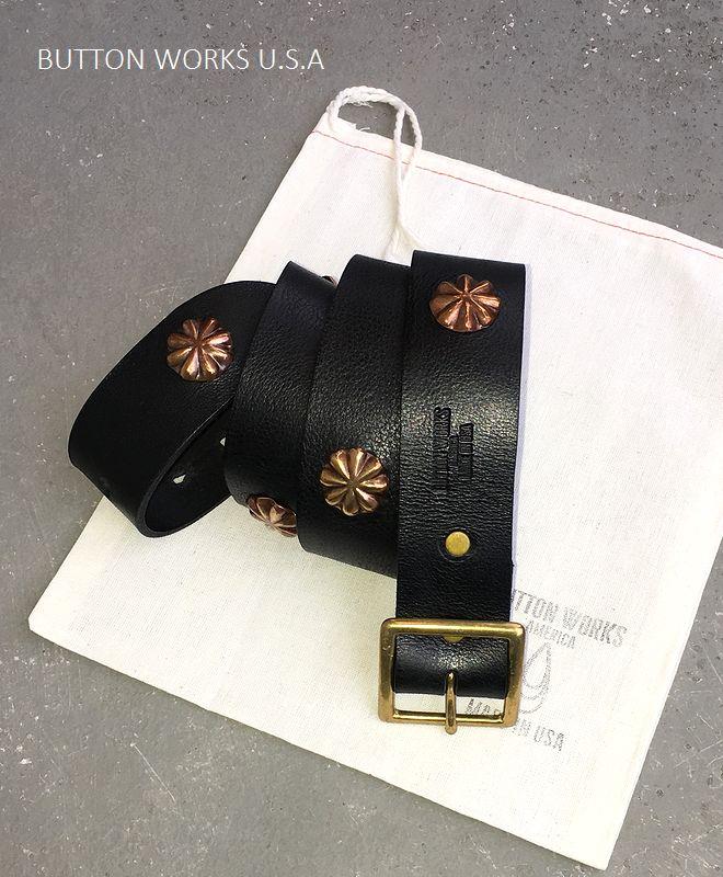【全品P2倍/最大10,000円OFFクーポン配布中】ボタンワークス アメリカ 7コンチョ ベルト アメリカ製 ButtonWorks America SevenConcho Belt Black/Brass