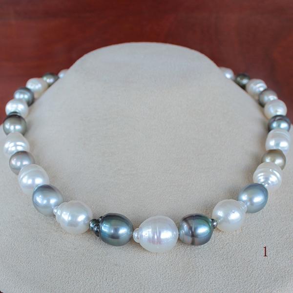 ●白蝶真珠&黒蝶真珠<Circle Shape Multi>8.5-13mm 33コ<Oval Shape>【真珠のボレロ】<Reasonable Special><Exotic>Necklace 【値ごろ感】