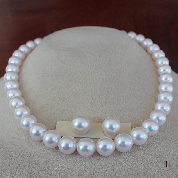 ●アコヤ真珠越し物<昔々のぎょく><Top quality><Vitage Pearl>9.5-10mm<Round Shape><Premium Pure><Excellent Special>Necklace●アコヤ真珠越し物ペア 10-10.5mm チタンピアス 直結 or ブラ ※オプションあり