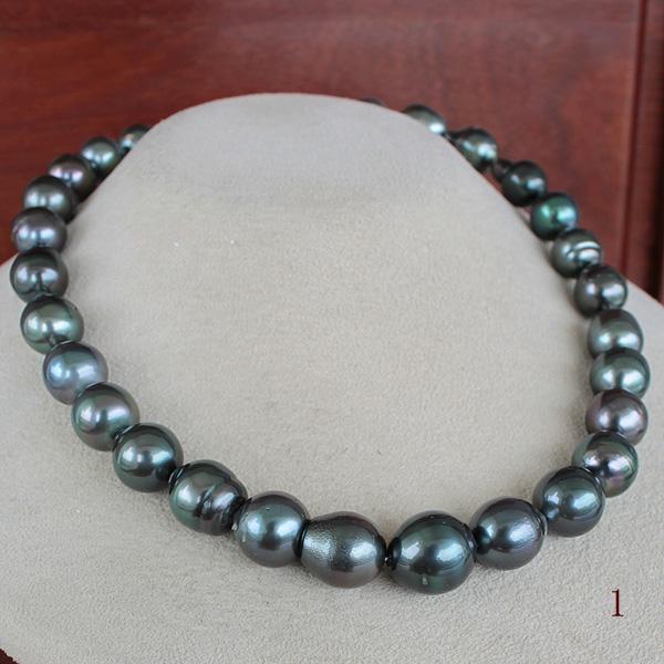 ●黒蝶真珠<Peacock><Semi Round Shape>11.0-13.5mm<Reasonable Special>Necklace 【値ごろ感】