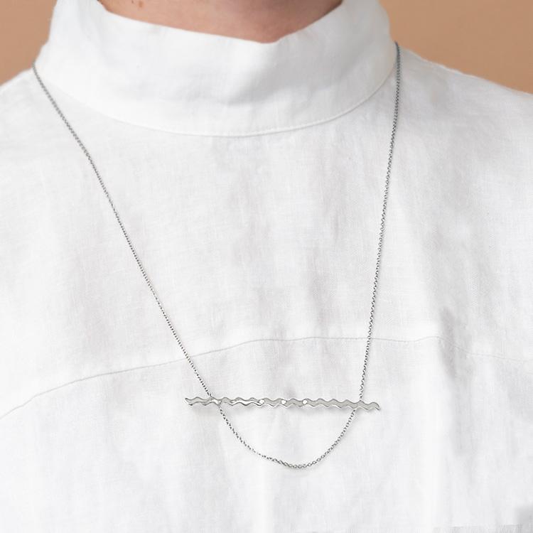 NUWL RIPPLE NECKLACE SILVER , レディース 女性 ネックレス ペンダント シルバー シンプル ブランド 夏 ネックレス ギフト プレゼント 社会人 祝い ペールカラー